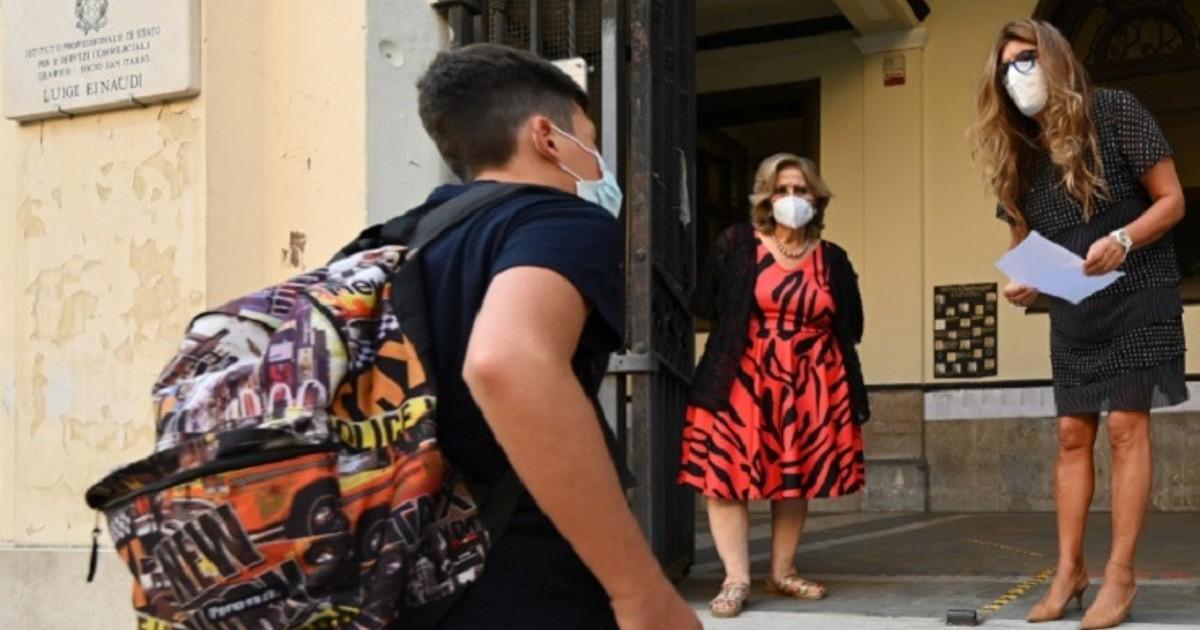 Italia: Millones de niños vuelven a escuelas tras 6 meses de cierre por el COVID-19