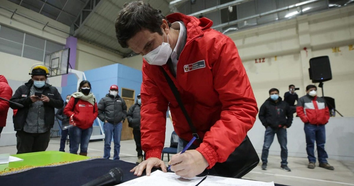 Incháustegui: Persona cercana a Acción Popular me indicó que se estaba tercerizando un gabinete de transición