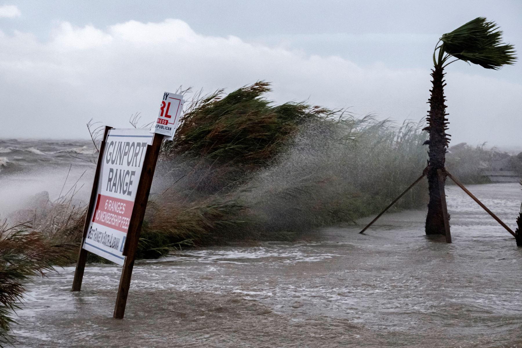 Ciclón Sally deja un muerto e inundaciones en su avance en EE. UU.