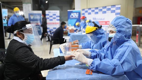 Más de 150 usuarios del Metropolitano fueron diagnosticados con Covid-19 tras pasar pruebas rápidas
