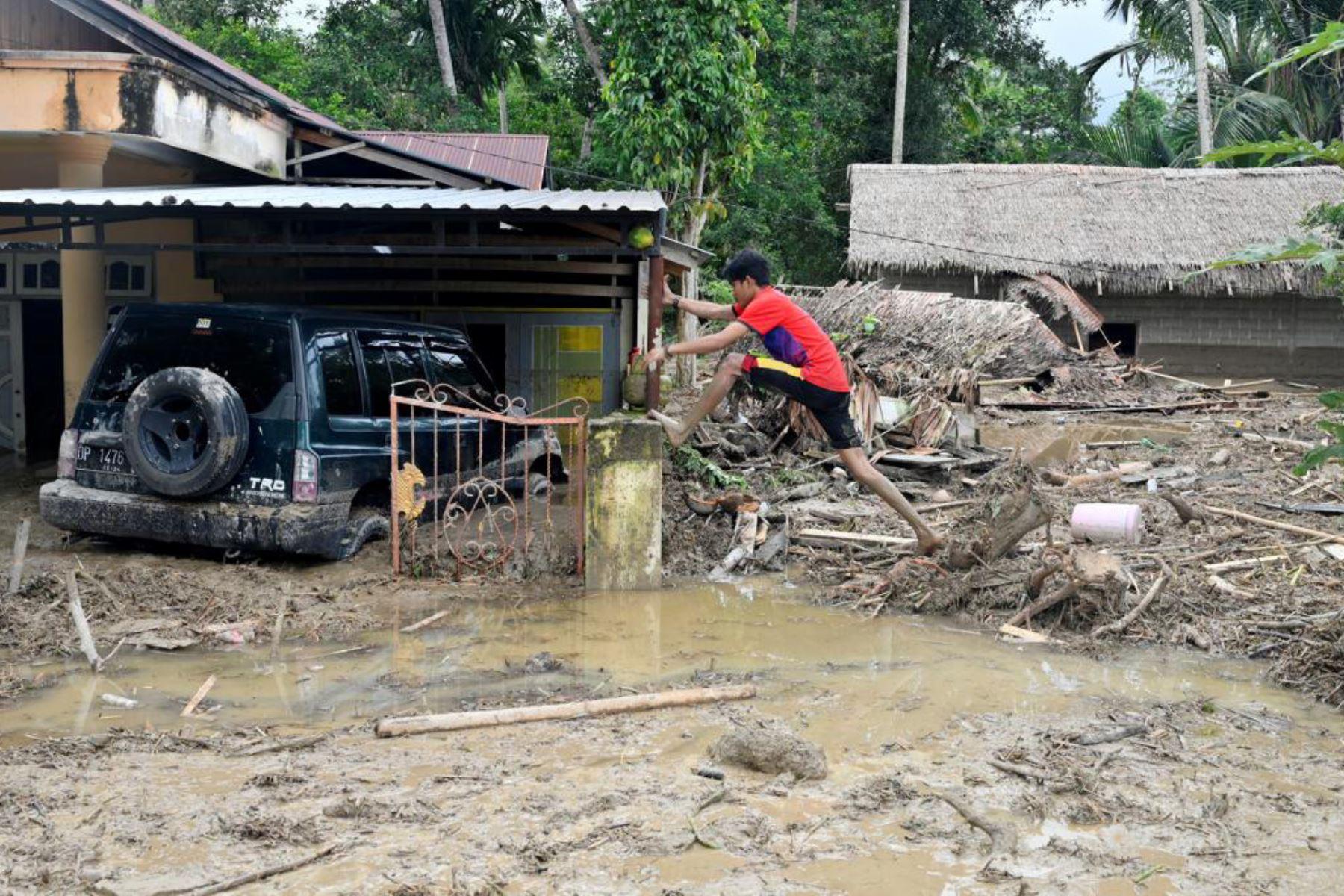 Al menos 11 muertos en una avalancha en Indonesia