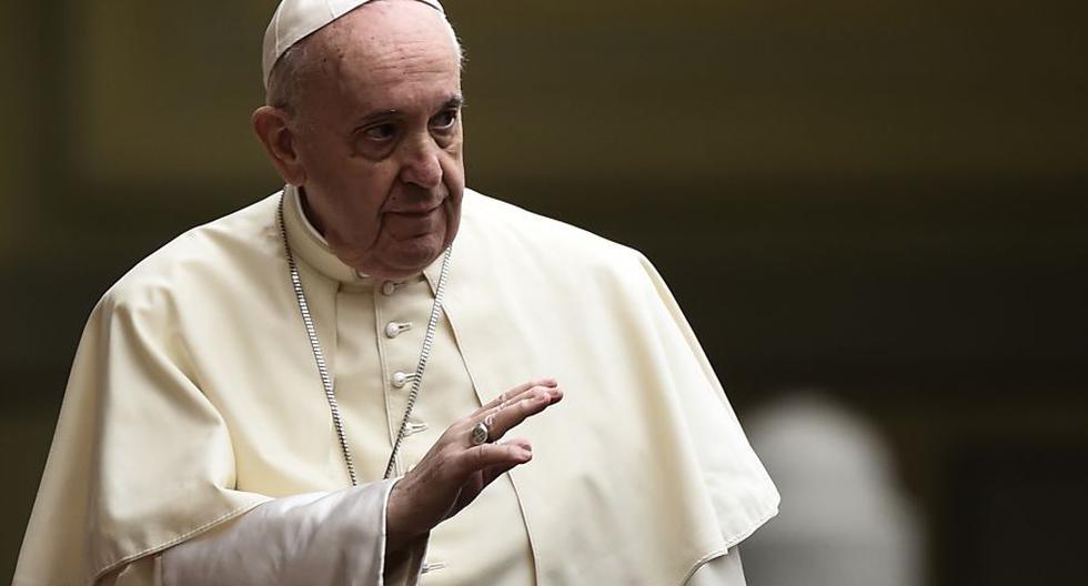 """Papa Francisco muestra su apoyo a la unión civil: """"Los homosexuales tienen derecho a estar en una familia»"""