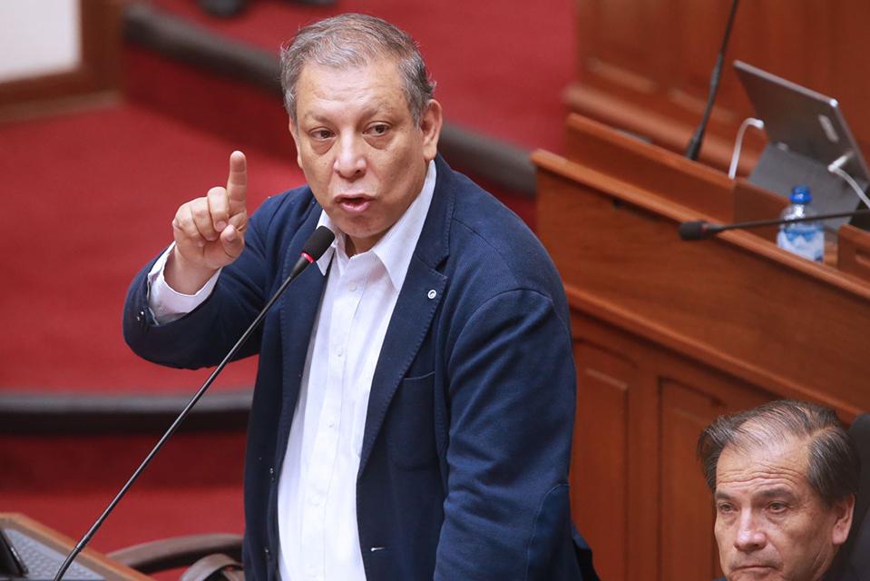 MORALES: MARCO ARANA SUSPENDE A 54 DIRIGENTES DEL FRENTE AMPLIO PARA IMPEDIR ELECCIONES INTERNAS Y NO RENDIR CUENTAS