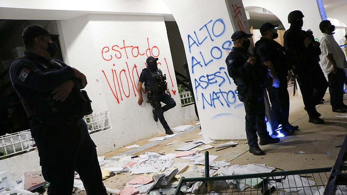 México: Deja su cargo el jefe de Policía de Quintana Roo tras la represión a balazos contra feministas