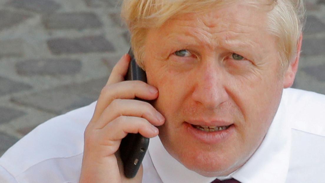 «Trump» y «segundo mandato»: Hallan un 'mensaje oculto' en el tuit de Boris Johnson felicitando a Joe Biden