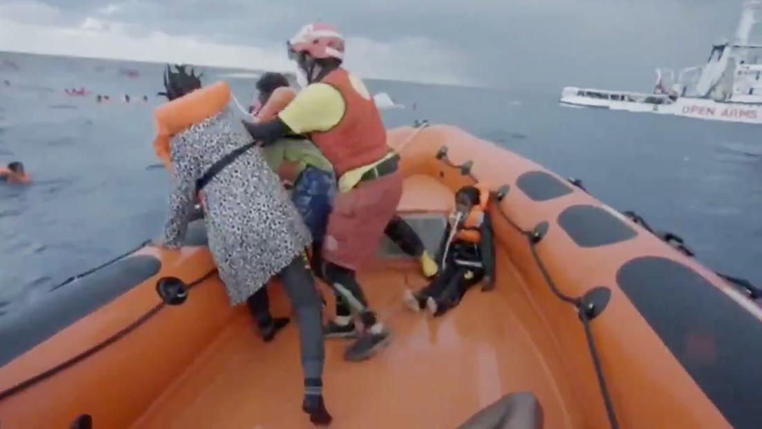 «¡He perdido a mi bebé!»: El desesperado grito de una madre inmigrante tras naufragar en el Mediterráneo (VIDEO)