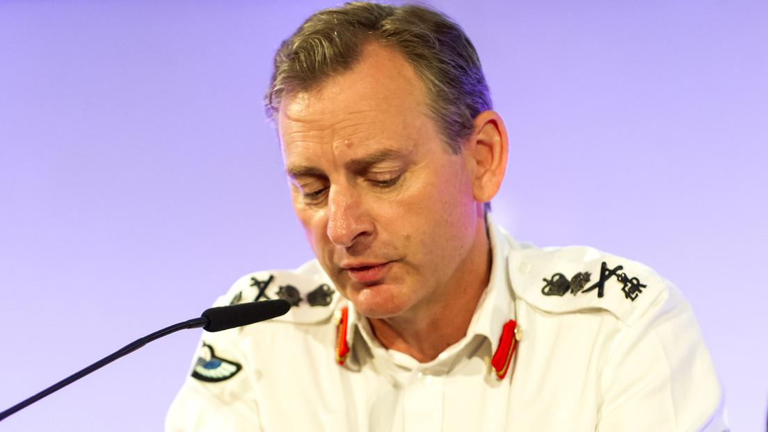 El jefe del Estado Mayor del Ejército británico se pierde durante ejercicios militares después de que un helicóptero lo dejara en el campo equivocado