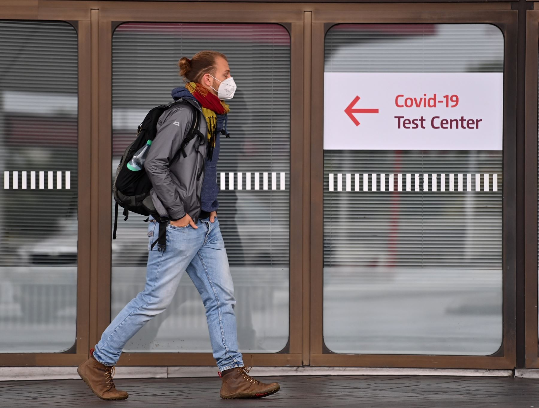 Alemania planea endurecer restricciones para contener la pandemia