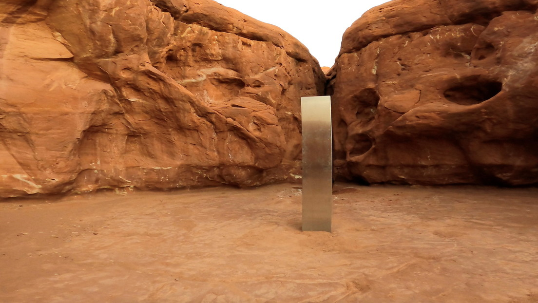 Desaparece el misterioso monolito de Utah y en su lugar encuentran un mensaje y otros objetos (FOTOS)