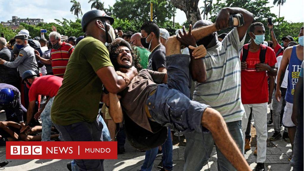"""Miles de cubanos salen a las calles en una inusual protesta masiva al grito de """"abajo la dictadura"""" – BBC News Mundo"""